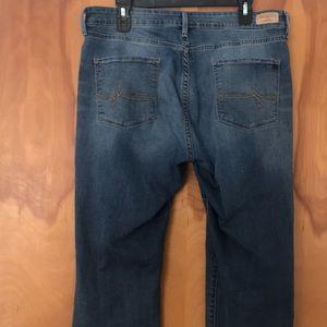 Denizen from Levi's Jeans - Denizen from Levi's Slim Cuffed Cropped Jeans